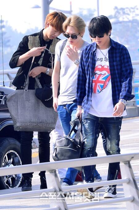 cnblue heading to hk27