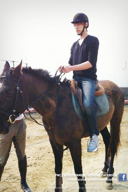jungshin on horse