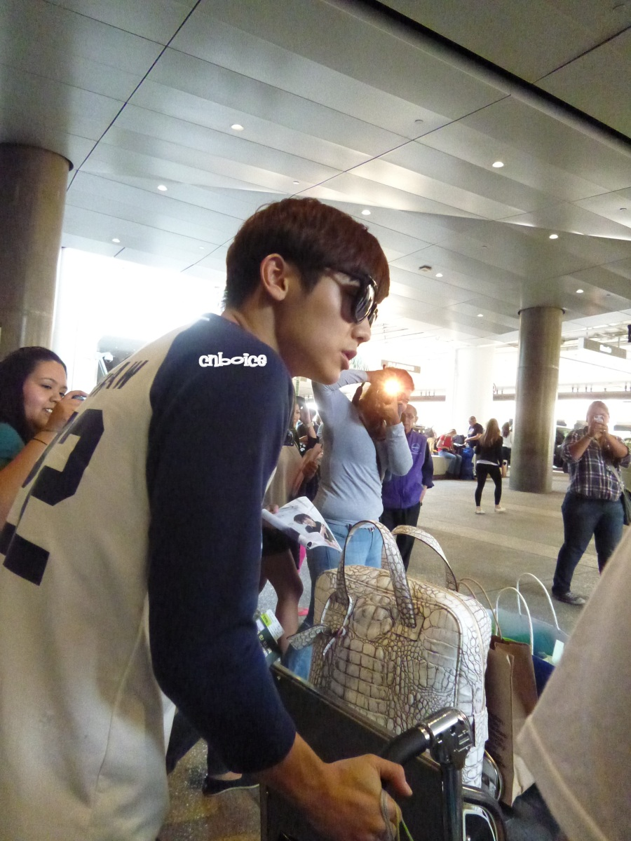 "CNBLUE Kang Minhyuk Arrival at LAX for ""The Heirs"" Filming"